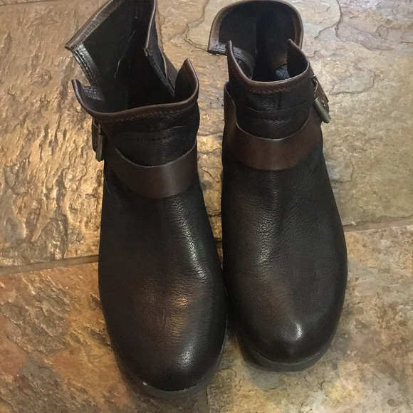 BCBGeneration Shoes - BCBGeneration ankle boots-  leather.  Size 10B